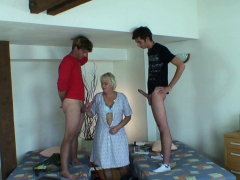 Two teen boys fuck highly old blonde cleaning granny