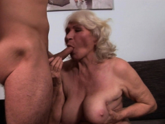 Busty amateur granny gets  pussy jammed