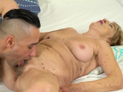 Grannys unshaved vag banged