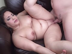 Chubby mom blow and fuck lucky dad