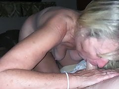Saggy tits granny gives oral pleasure