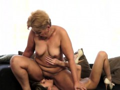 Petite Doris Ivy fragmented wits a granny plus tastes the brush pussy too