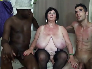 FRENCH BBW 65YO GRANNY OLGA FUCKED BY 2 Hard up persons - DP
