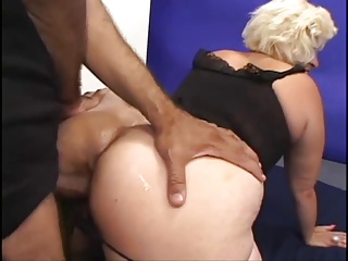 Mature McCoy Gets Their way Soggy Cunt Fucked