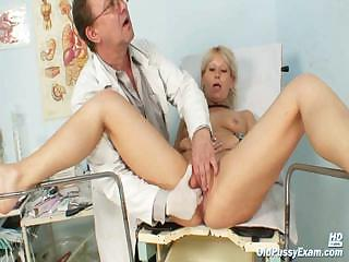 Grown-up Romana gynochair pussy speculum examination by gyno doctor