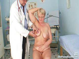 Fat mature Radka gets real speculum exam by oddball gyno docto