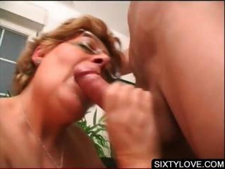 Blowjob on knees relative to adult babe