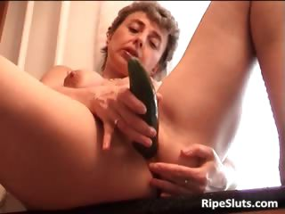 Horny mature slut fuck ourselves part3