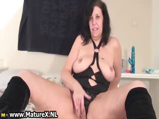 Old horny maw yon a sexy part3