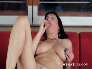 Matured hot pussy fretting and dildo teasing