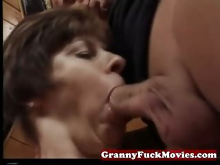 Granny sucking and pounding perishable pussy