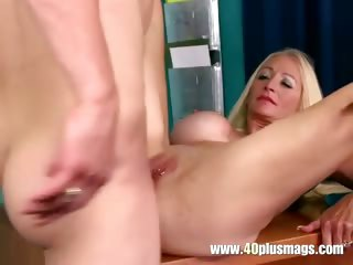 Blonde milf Tinia deep in their way arse
