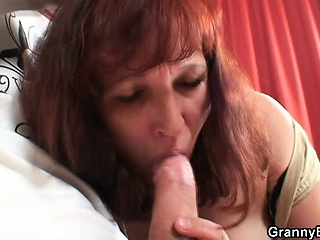 Oldie thither stockings gets screwed