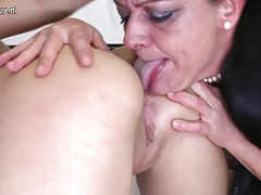 girl fucks old lezzy whore