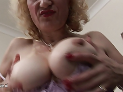 Grandma Naomi loves to  with her old pussy