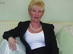 Classy mature lady experiencing naughty