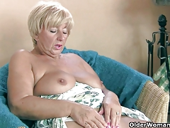 Chunky granny masturbates with her frigs and a vibrator