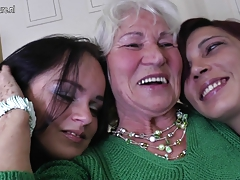 Three old and young lezzies have great sex