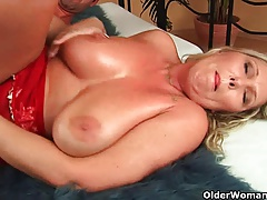 Older lady with natural gigantic knockers gets fucked