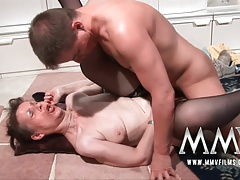 MMVFilms German granny knows how to bang
