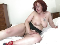 Senior granny with big butt and hungry vagina