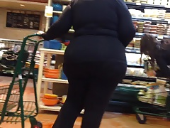 gilf with a wide rump