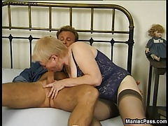 Grandma banged by sporty stud