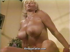 Bulky Huge-titted Granny Elevates Weights all Naked (Vintage)