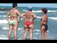 SEXY GRANNIES ON THE BEACH!!! OLDIE BUT GOODIE!!!