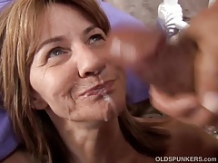 Shy mature amateur enjoys a sticky