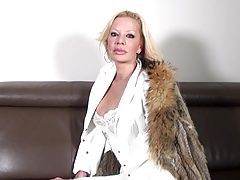 Super-hot mature slut mom with big orbs and greedy cunt