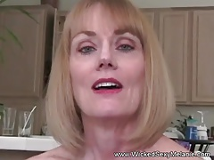 First-timer GILF Wants Raunchy Sex