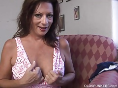 Super killer elderly spunker fucks her  wet pussy for you