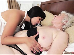 Teenager Naomie and granny Norma are tasting each others pussy