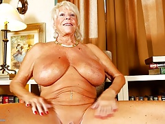 Old granny with ginormous tits and tanned body