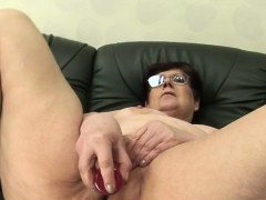 Staci from 1fuckdatecom - Amateur mature mom masturbating wi