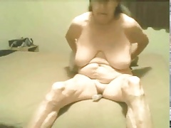 Hot a old grannie still enjoy to masturbate! Amateur!