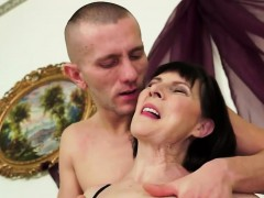 Black-haired grannie gets good fuck