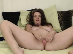 Curvy mother Cynthia Lynn gets a  squirting ejaculation