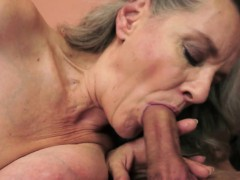 Mature lady fucked after sucking pecker