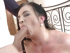 Mature Plumper mom nails young lucky
