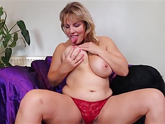 Super mature bang-out bomb mom with big tits and ass
