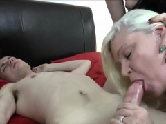 GILF And Brunette Threesome Bang-out