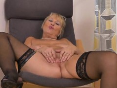 Euro Granny pleasing herself