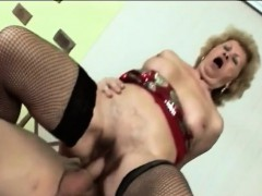 Gorgeous gilf shakes her hips while riding a fat man meat