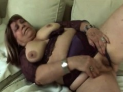 Sideways smashing for fat blondie granny on couch