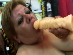 Fat granny Venuse takes cock in labia on sofa