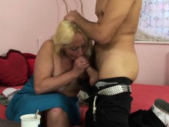 Blonde opens up her hairy old gash for him