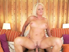 Super-naughty grandma deepthroats dick