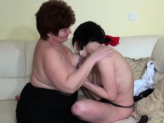 Grannie seduces a nubile